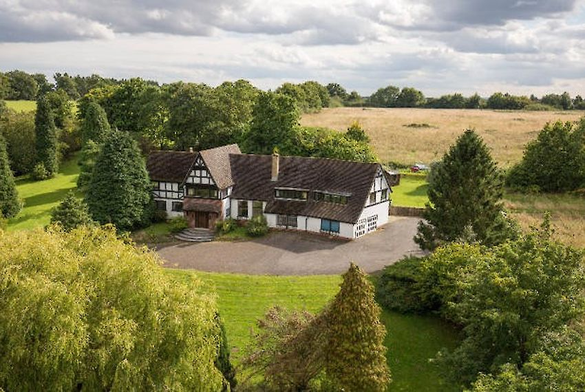 Property in Lapworth