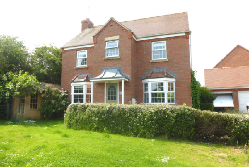 Detached House in Newbold on Stour